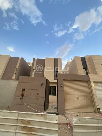 4 Bedroom Villa for Sale in Riyadh, Riyadh Region - Luxury duplex villas For sale in Al Munsiyah, East of Riyadh