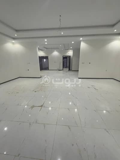 Villa for Sale in Jeddah, Western Region - Modern Villa | 2 floors, and an annex for sale in Al Yaqout, North of Jeddah