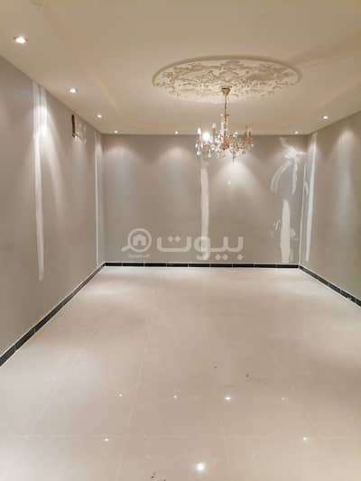 فیلا 5 غرف نوم للبيع في الرياض، منطقة الرياض - فيلا دوبلكس | مجددة بالكامل للببع في الصحافة، شمال الرياض