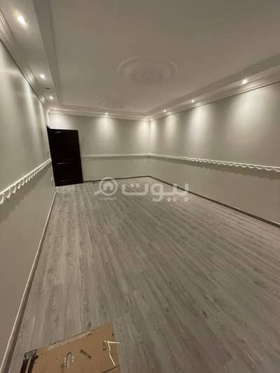 4 Bedroom Villa for Sale in Jeddah, Western Region - Modern villa with 2 floors and an annex for sale in Al Sheraa, North Jeddah