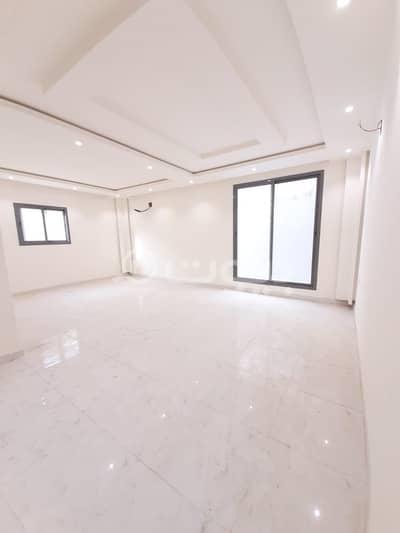 فلیٹ 5 غرف نوم للبيع في الرياض، منطقة الرياض - شقة فاخرة   نظام دورين   مع حوش للبيع بحي العوالي، غرب الرياض