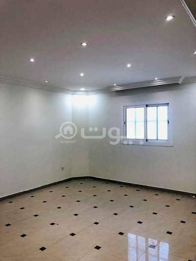 دور 5 غرف نوم للايجار في الرياض، منطقة الرياض - دور مع شقة مودرن بالسطح للإيجار في الروضة، شرق الرياض