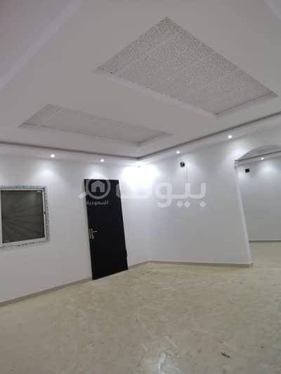 3 Bedroom Villa for Sale in Riyadh, Riyadh Region - New villa for sale in Tuwaiq district, west of Riyadh | floor with the possibility of establishing 3 apartments