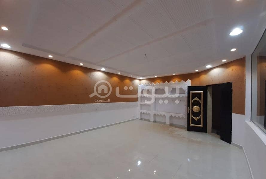 Floor with the possibility of establishing 2 apartments for sale in Al Khuzama, Hail