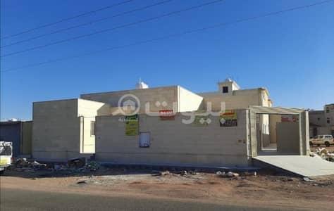 4 Bedroom Floor for Sale in Hail, Hail Region - floor 685 SQM for sale in Al Yasmin, Hail