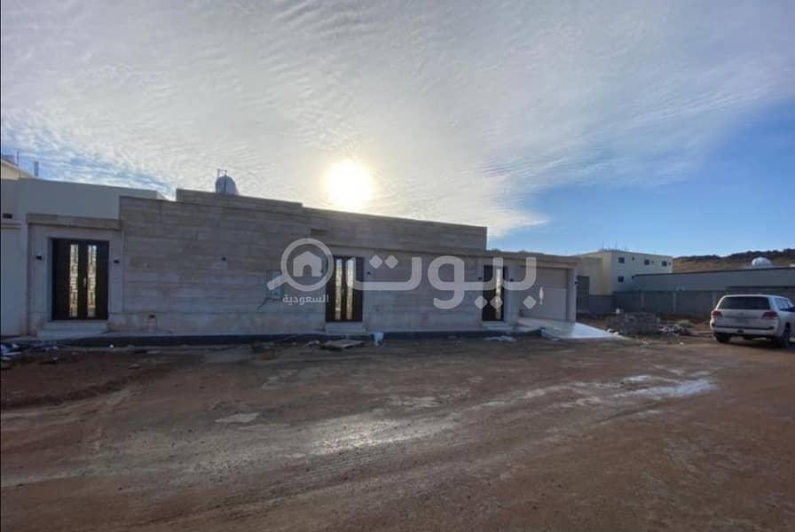 For Sale Floor Establishment For Two Apartments In Al Suwayfilah, Hail
