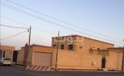 3 Bedroom Villa for Sale in Hail, Hail Region - Villa floor and two apartments for sale in Al Yasmin district, Hail