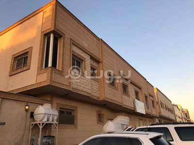 فلیٹ 4 غرف نوم للايجار في الرياض، منطقة الرياض - شقة عوائل دورين وسطح خاص للإيجار في حي التعاون، شمال الرياض