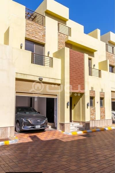 3 Bedroom Villa for Rent in Jeddah, Western Region - Duplex villa for rent in Leving Compound Al Hamraa, East Jeddah