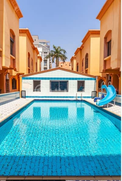 Duplex villa with facilities for rent in a complex in Al Nahdah, North of Jeddah