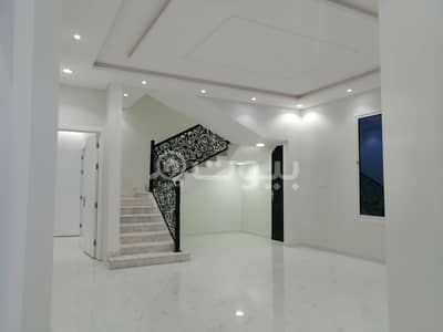 Villa an internal staircase with the possibility of establishing an apartment in Al Qadisiyah, East Riyadh