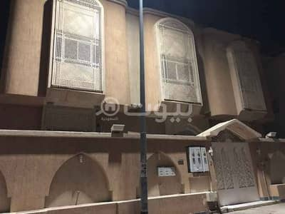 7 Bedroom Villa for Rent in Madina, Al Madinah Region - Villa with park for rent in Bir Uthman, Madina