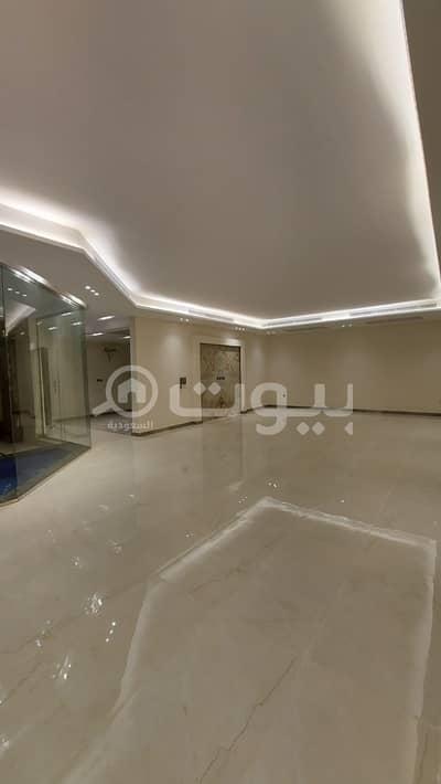 7 Bedroom Villa for Sale in Jeddah, Western Region - Villa with spacious roof for sale in Obhur Al Shamaliyah, North Jeddah