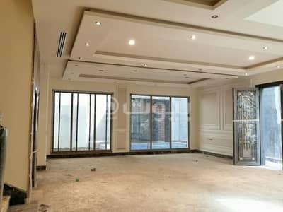 5 Bedroom Villa for Sale in Riyadh, Riyadh Region - Villa staircase hall for sale in Al-Malqa district, north of Riyadh