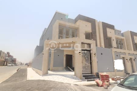 6 Bedroom Villa for Sale in Jeddah, Western Region - Villa On Two Streets For Sale In Al Rahmanyah, North Jeddah