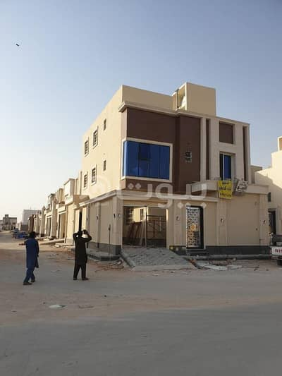Villa for Sale in Riyadh, Riyadh Region - Villa staircase hall and apartment for sale in Rimal, East Riyadh