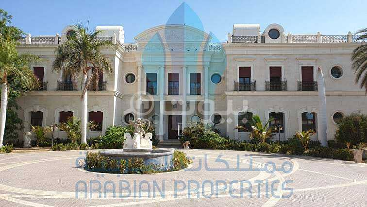 Royal Palace with a park and pool for sale in Al Zahraa, North Jeddah