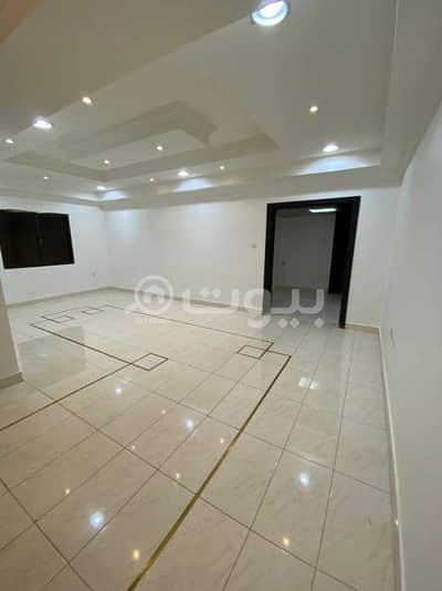 دور 4 غرف نوم للايجار في الرياض، منطقة الرياض - دور أول في فيلا للايجار في حي العليا، شمال الرياض