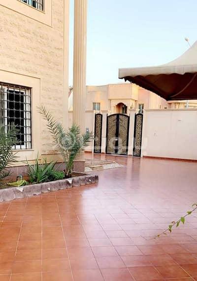 فیلا 12 غرف نوم للبيع في الرياض، منطقة الرياض - فيلا مع مسبح للبيع بحي الحمراء، شرق الرياض