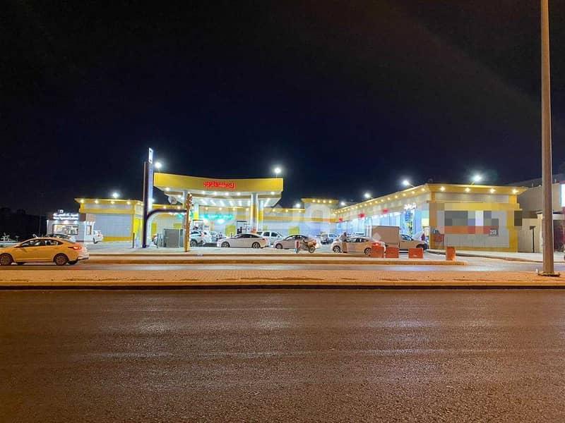 محطة بنزين للبيع في المهدية، غرب الرياض