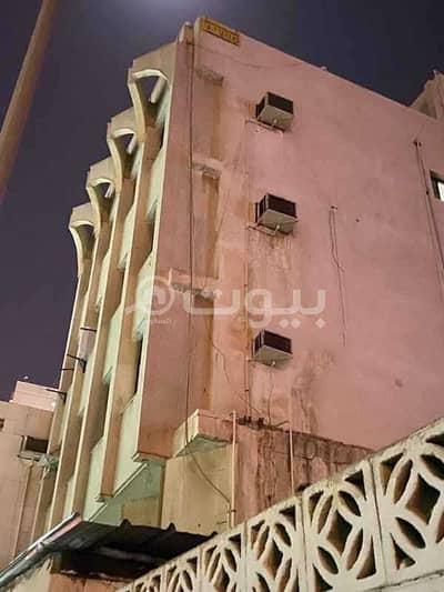 عمارة سكنية  للبيع في جدة، المنطقة الغربية - عمارة للبيع في شارع الصحابة حي الشرفية، شمال جدة