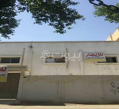 عمارة سكنية 5 غرف نوم للايجار في الرياض، منطقة الرياض - عمارة سكنية للإيجار في الضباط، وسط الرياض | 7 شقق وملحق