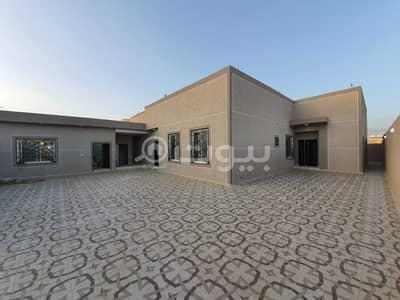 فیلا 4 غرف نوم للبيع في حريملاء، منطقة الرياض - فيلا دور مؤسس و3 شقق للبيع في ملهم، حريملاء
