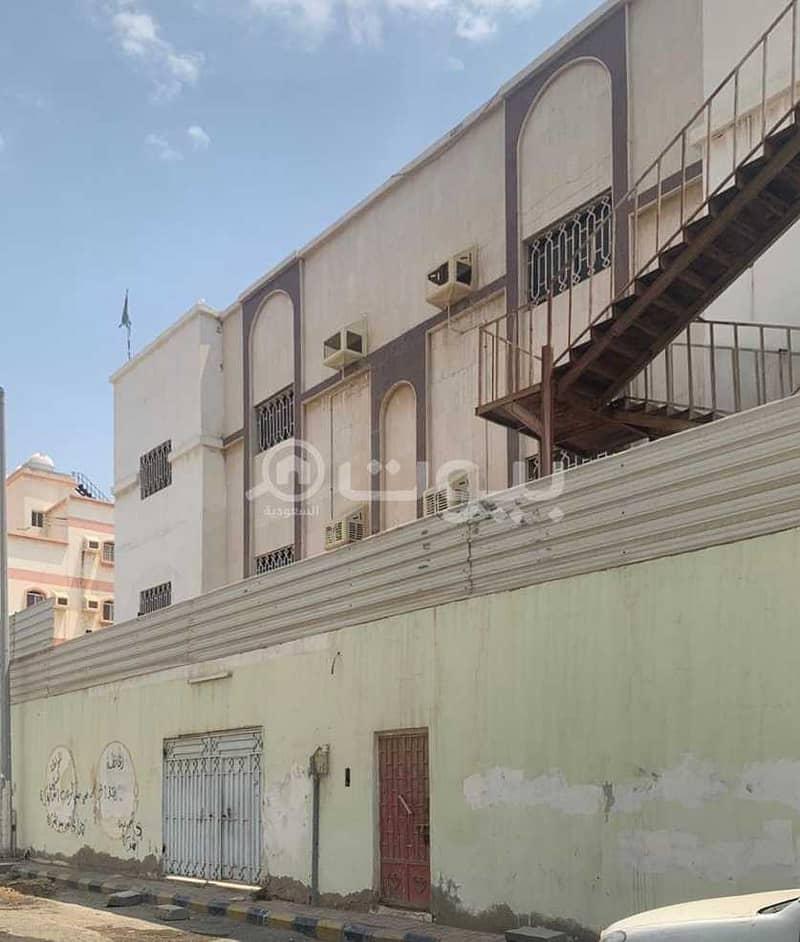 عمارة نظام سكن موظفين للإيجار في النزهة، شمال جدة