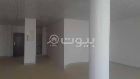 Shop for Rent in Riyadh, Riyadh Region - 2 Commercial stores for rent on Al Ettidal Road, Badr, South of Riyadh