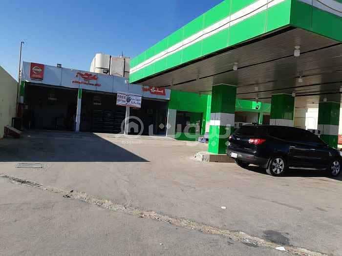 محطة بنزين للبيع في حي بدر، جنوب الرياض