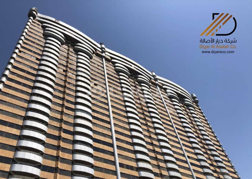 Apartments with sea views in Al Farsi Towers for rent - Corniche< North Jeddah