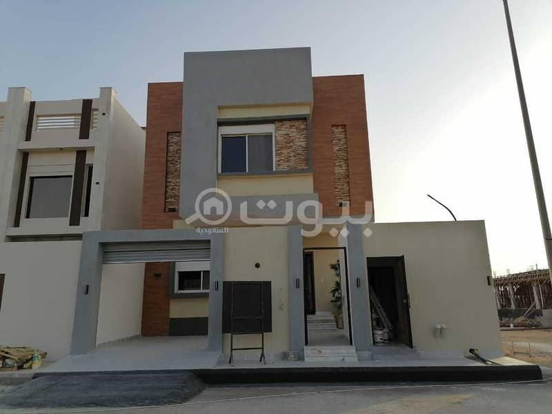 فيلا دوبلكس للبيع في موقع ممتاز في حي الشراع، شمال جدة