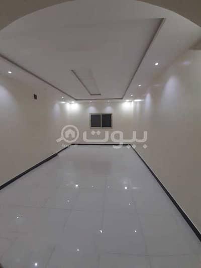 4 Bedroom Villa for Rent in Riyadh, Riyadh Region - Villa staircase Hall and roof for rent Al Rimal neighborhood, east Riyadh