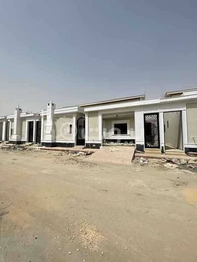 3 Bedroom Villa for Sale in Riyadh, Riyadh Region - Villa for sale at an excellent price in Tuwaiq, West of Riyadh