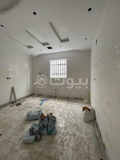 5 Bedroom Villa for Sale in Riyadh, Riyadh Region - Distinctive villa for sale in Tuwaiq neighborhood, west of Riyadh