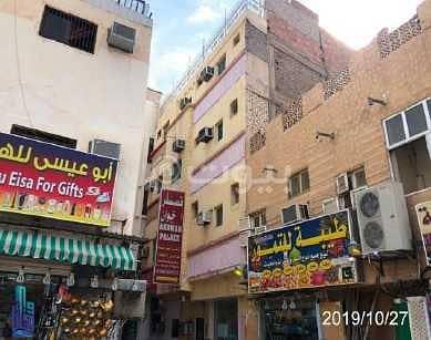 عمارة تجارية  للايجار في المدينة المنورة، منطقة المدينة - عمارة للايجار بالقرب من الحرم في حي بني عبد الاشهل، المدينة المنورة