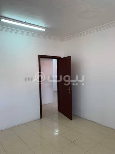2 Bedroom Flat for Rent in Dammam, Eastern Region - Singles apartments for rent in Al Badiyah, Dammam