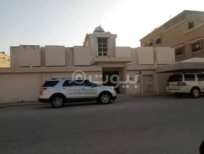 8 Bedroom Floor for Sale in Dammam, Eastern Region - 2 Apartments on the ground floor for sale in Uhud, Dammam