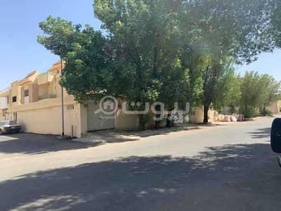 فیلا 4 غرف نوم للبيع في الرياض، منطقة الرياض - فيلا قديمة للبيع من المالك مباشرة في الربوة، وسط الرياض