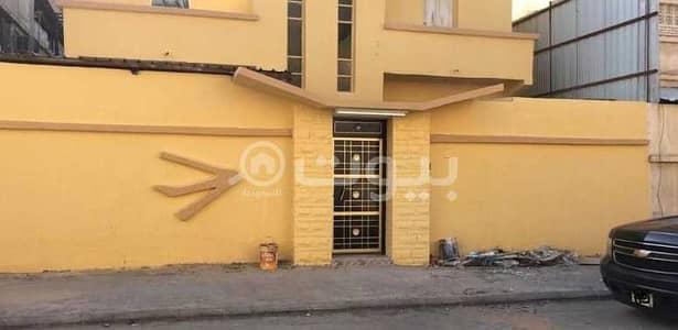 3 Bedroom Floor for Sale in Dammam, Eastern Region - Renovated house for sale in Madinat Al Umal, Dammam