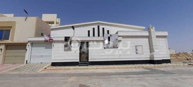 3 Bedroom Floor for Sale in Riyadh, Riyadh Region - Floor With The Possibility Of Establishing 3 Apartments For Sale In Al Mahdiyah, West Riyadh
