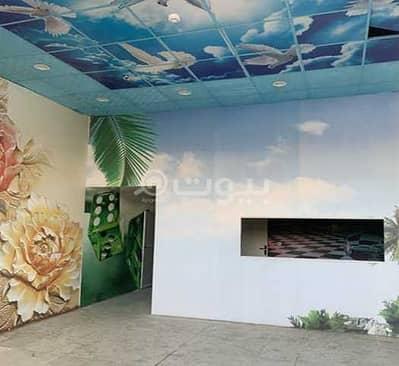 Shop for Rent in Khamis Mushait, Aseer Region - Shop | 220 SQM for rent in Al Zuhur, Khamis Mushait