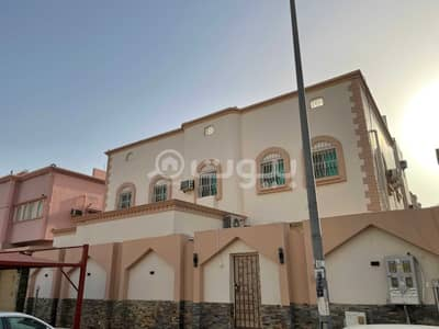 10 Bedroom Villa for Sale in Jeddah, Western Region - Villa with 2 apartments and an annex for sale in Al Waha district, North of Jeddah