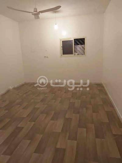 5 Bedroom Apartment for Rent in Riyadh, Riyadh Region - Apartment with park for rent in Al Nahdah, east of Riyadh