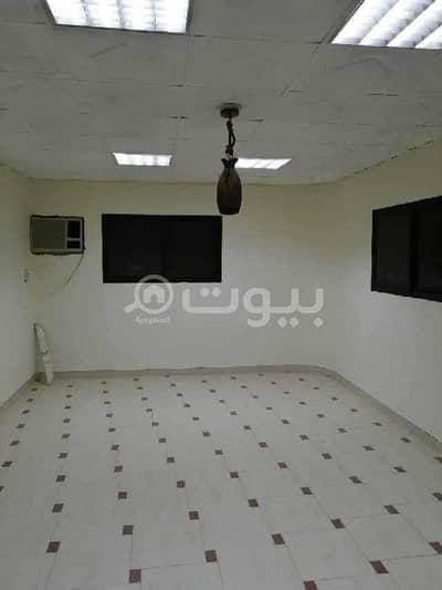 دور 5 غرف نوم للايجار في الرياض، منطقة الرياض - دور أرضي للإيجار في العريجاء الغربية، غرب الرياض