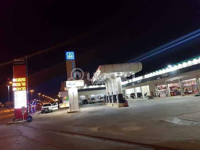 محل داخل محطة للإيجار في ظهرة لبن، غرب الرياض