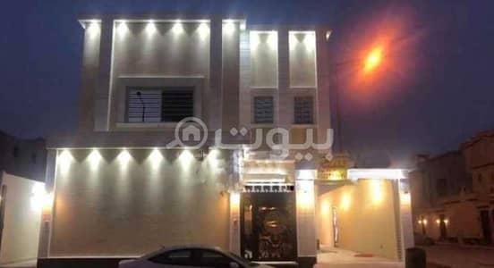 3 Bedroom Villa for Sale in Riyadh, Riyadh Region - Corner villa stairs in the hall and 2 apartments for sale in King Khalid International Airport, North Riyadh