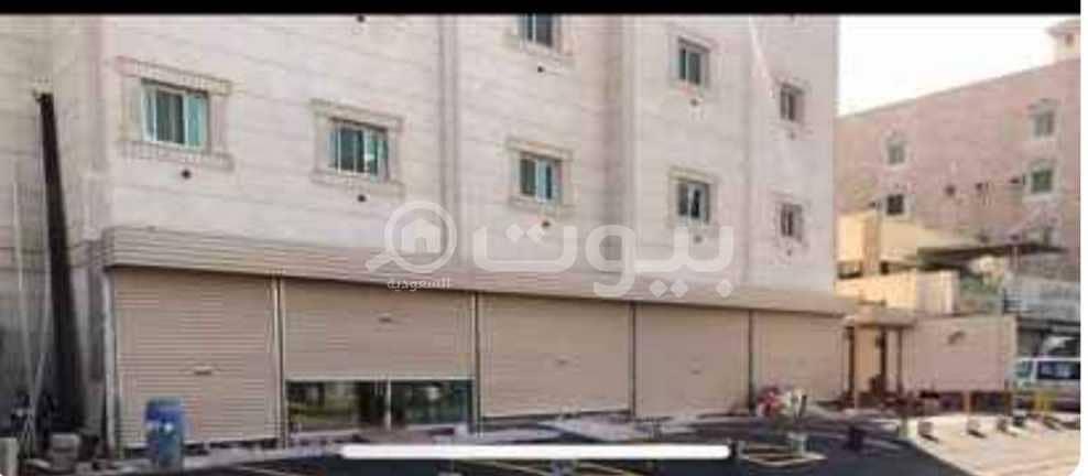 عمارة للبيع في شارع الأدباء بالعزيزية، شمال جدة