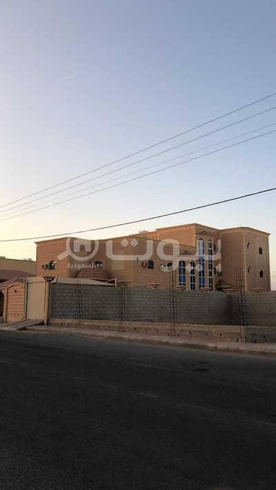 20 Bedroom Villa for Sale in Uglat Al Sugour, Al Qassim Region - Villa with park for sale in King Fahad, Uglat Al Sugour