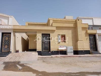 دور 3 غرف نوم للبيع في الرياض، منطقة الرياض - دور أرضي   360م2 للبيع بحي بدر النموذجي، جنوب الرياض